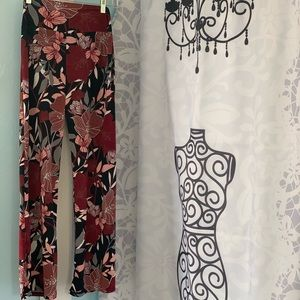 Lildy floral palazzo pants. Size medium